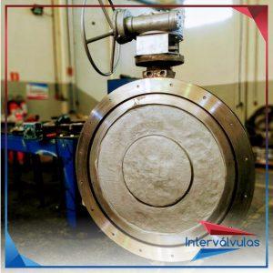 Válvula bi-excêntrica 48″ fornecido com corpo e disco em aço inox fundido CF8 5