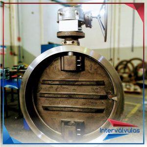 Válvula bi-excêntrica 48″ fornecido com corpo e disco em aço inox fundido CF8 2
